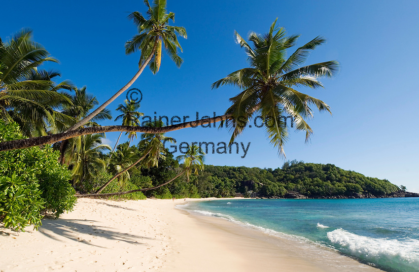 Seychelles, Island Mahe, Anse Takamaka: beach<br />