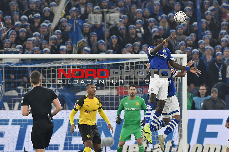 08.12.2018, Veltins-Arena, Gelsenkirchen, GER, 1. FBL, FC Schalke 04 vs. Borussia Dortmund, DFL regulations prohibit any use of photographs as image sequences and/or quasi-video<br /> <br /> im Bild Kopfball / Kopfballduell Torchance von Salif Sane (#26, FC Schalke 04) <br /> <br /> Foto © nordphoto/Mauelshagen