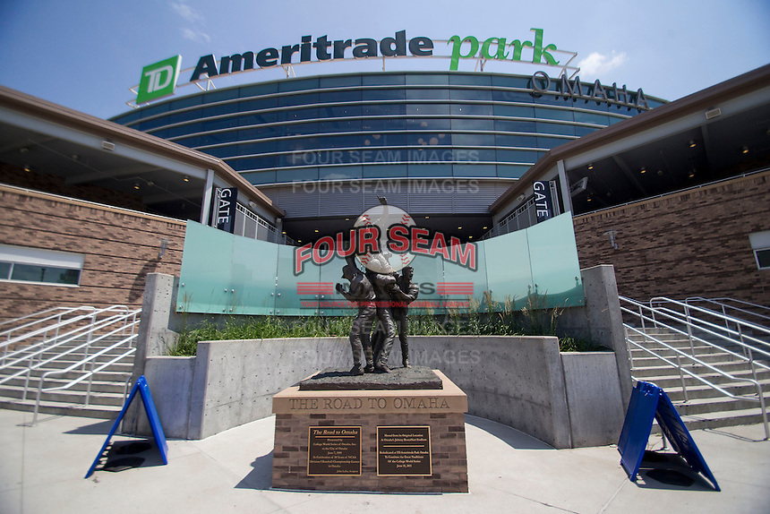 Road to Omaha statue on June 20, 2015 at TD Ameritrade Park in Omaha, Nebraska. (Andrew Woolley/Four Seam Images)
