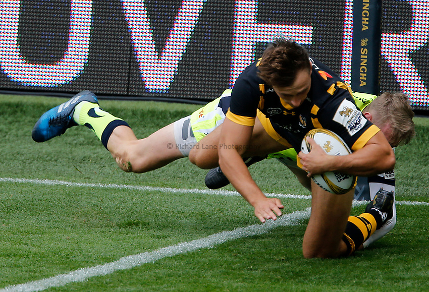Photo: Richard Lane/Richard Lane Photography. Singha Premiership Rugby 7s, Wasps v Sale Sharks. Cup Quarter Final. 29/07//2017. Wasps' Josh Bassett dives in for a try.