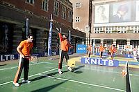 21-9-06,Leiden, Tennis,  Daviscup,Streettennis with the Dutch Team
