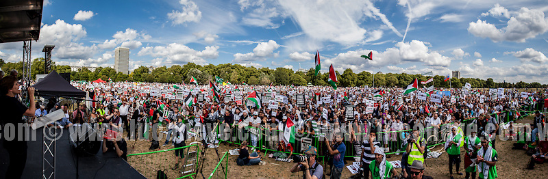 Hyde Park.<br /> <br /> London, 09/08/2014. Today, the third national demonstration in support and solidarity with Gaza's population saw tens of thousands of people taking to the street of central London. Gaza has been battered by a month long campaign of Israeli sea/air bombardments and a terrestrial invasion. ...<br /> <br /> For more pictures on this event click here: &lt;a href= &quot; http://bit.ly/1kUa3Ew&quot;&gt; http://bit.ly/1kUa3Ew&lt;/a&gt;