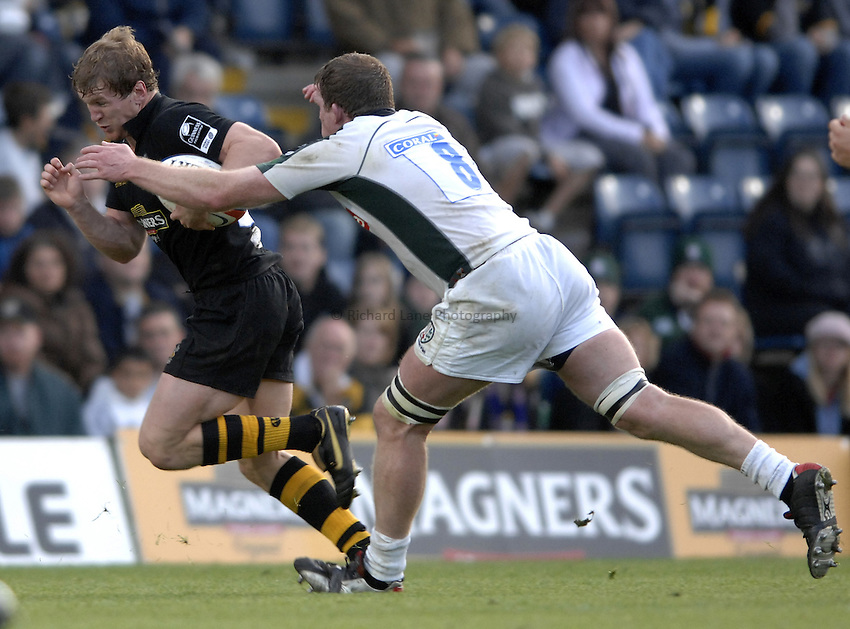 Photo: Richard Lane..London Wasps v London Irish. EDF Anglo-Welsh Cup. 08/10/2006. .Wasps' Tom Rees attacks.