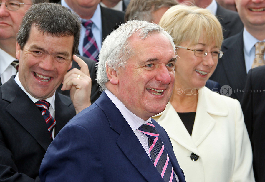 09/04/'08 Taoiseach Bertie Ahern pictured with Minister Noel Dempsey and Mary Hannafin at a photocall this morning to announce Brian Cowen as the new leader of Fianna Fail...Picture Collins, Dublin, Colin Keegan.