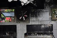 SÃO PAULO,SP 27.03.2016 - INCÊNDIO-SP - Um incêndio atingiu a sala de velas da Igreja Nossa Senhora do Bom Parto, localizada na Rua Serra de Japi, Tatuapé, zona leste de São Paulo, na tarde deste domingo, 27. Segundo a Policia Militar, presente no local, não houve vítimas. O imóvel está interditado esperando a chegada da perícia. (Foto: Eduardo Carmim/Brazil Photo Press)