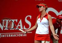 BOGOTA - COLOMBIA - FEBRERO 18: Elina Svitolina de Ucrania en acción durante partido por la Copa de Tenis WTA Bogotá, febrero 18 de 2013. (Foto: VizzorImage / Luis Ramírez / Staff). Elina Svitolina from Ukraine in action during a match for the WTA Bogota Tennis Cup, on February 18, 2013, in Bogota, Colombia. (Photo: VizzorImage / Luis Ramirez / Staff).........