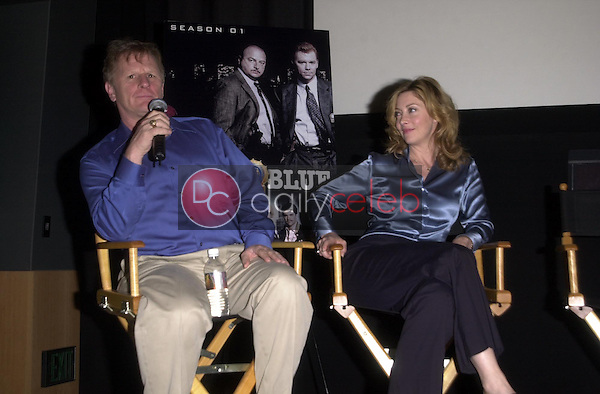 Gordon Clapp and Sharon Lawrence