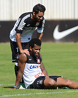 SÃO PAULO,SP, 13 julho 2013 -   Ibson e Gil durante treino do Corinthians no CT Joaquim Grava na zona leste de Sao Paulo, onde o time se prepara  para para enfrenta o Atletico MG pelo campeonato brasileiro . FOTO ALAN MORICI - BRAZIL FOTO PRESS