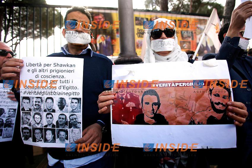 Cartello liberate i giornalisti egiziani e verita' per Giulio Regeni<br /> Roma 02-05-2016 Maratona di sit-in davanti alle ambasciate dell'Iran, dell'Egitto e della Turchia organizzata da Articolo 21, FNSI, UsigRai, RSF Italia, Amnesty International Italia, Pressing NoBavaglio, per libert&agrave;' di stampa e diritti umani.<br /> Marathon of sit-ins in front of the Iranian, Egyptian and Turkish embassies for freedom of the press and for human rights.<br /> Photo Samantha Zucchi Insidefoto
