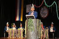 Der ehemalige langjährige Sitzungspräsident des CVG Hans-Werner Kabey tritt als Protokoller auf