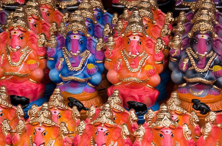 Ganesha Plastiki 01 - Plastic Ganesha figures