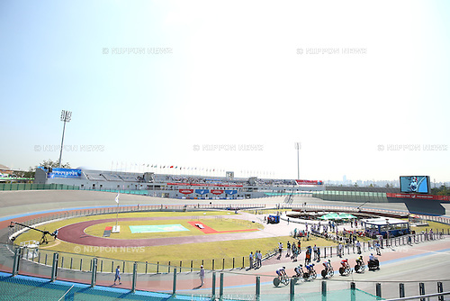 Incheon International Velodrome,<br /> SEPTEMBER 25, 2014 - Cycling - Track :<br /> at Incheon International Velodrome <br /> during the 2014 Incheon Asian Games in Incheon, South Korea. <br /> (Photo by Shingo Ito/AFLO SPORT)