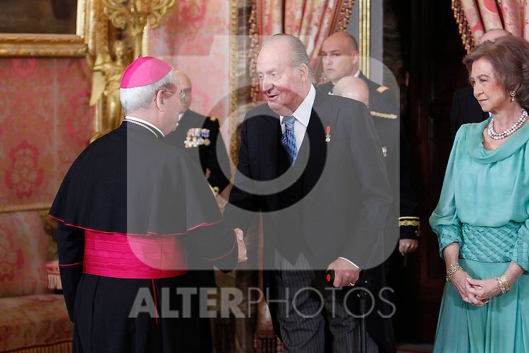 King Juan Carlos of Spain and Queen Sofia of Spain attends the reception of the diplomatic corps in Spain at Palacio Real. January 23, 2013. (ALTERPHOTOS/Caro Marin)