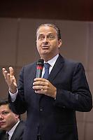 SAO PAULO, SP, 13.05.2015. EDUARDO CAMPOS - FORUM ABEGAS. O pré candidato a presidência da república do Partido Socialista Brasileiro (PSB), Eduardo Campos,  durante Forum das Associações Empresariais Pró-Desenvolvimento do Mercado de Gás Natural. Durante o evento, o pré candidato ouviu as reivindicações dos empresários do setor de Gás Natural e mostrou suas propostas para o setor. O evento ocorreu na manhã desta terça feira (13)  no World Trade Center, na zona sul da capital paulista. (Foto: Adriana Spaca/Brazil Photo Press)