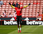 Jamal Blackman of Sheffield Utd warms up during the English Championship League match at Bramall Lane Stadium, Sheffield. Picture date: August 5th 2017. Pic credit should read: Simon Bellis/Sportimage
