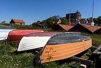 Fischerboote trocknen auf Frederiks&oslash;, Ertholmene (Erbseninseln) bei Bornholm, D&auml;nemark, Europa<br /> Fishing boats on Frederiks&oslash;, Ertholmene, Isle of Bornholm Denmark