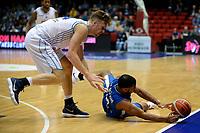GRONINGEN - Basketbal, Donar - Fribourg, tweede voorronde Champions League, seizoen 2018-2019, 25-09-2018,  Donar speler Thomas Koenes met Fribourg  speler  Justin Roberson