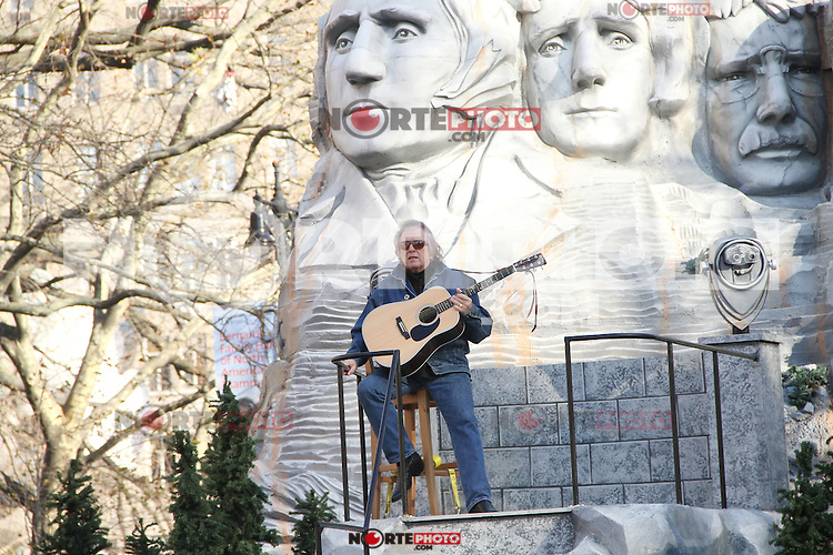 NEW YORK, NY - NOVEMBER 22: Don McLean at the 86th Annual Macy's Thanksgiving Day Parade on November 22, 2012 in New York City. Credit: RW/MediaPunch Inc. /NortePhoto