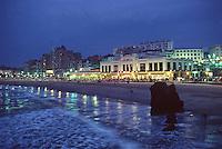 Europe/France/Aquitaine/64/Pyrénées-Atlantiques/Biarritz: Vue de nuit du front de mer et du Casino