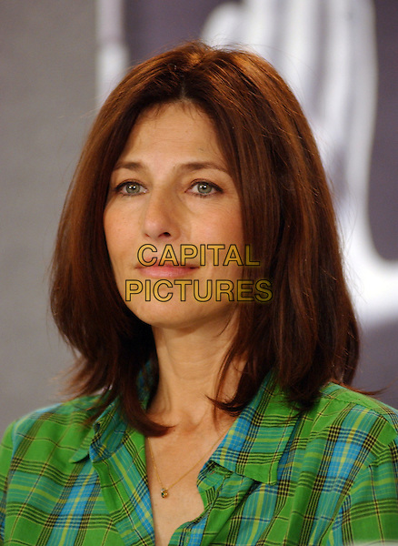 CATHERINE KEENER.2005 Toronto Film Festival, Toronto, Ontario.September 11th, 2005.Photo Credit: George Shepherd/AdMedia.headshot portrait green.www.capitalpictures.com.sales@capitalpictures.com.© Capital Pictures.