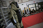 Protective clothing used for demining.Traje de proteccion que se utiliza para el desminado