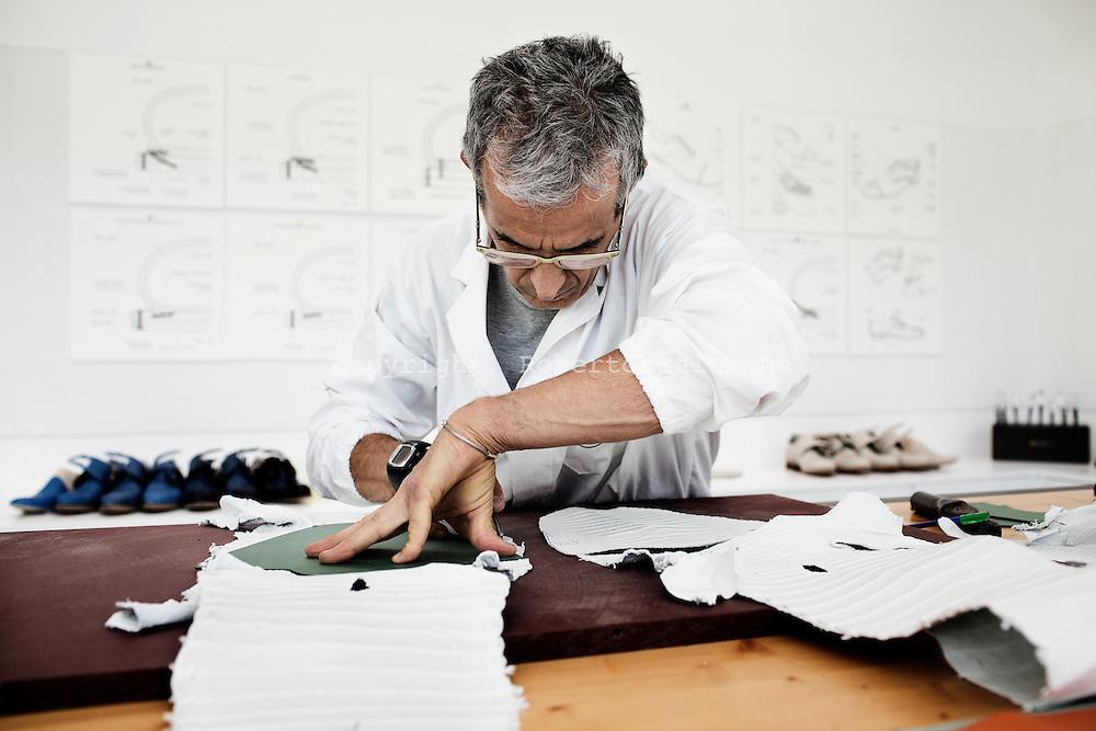reputable site 87e8a f6ce1 santoni-shoes-italy037.jpg   roberto salomone documentary ...