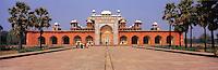 © David Paterson.The tomb of the Moghul emperor Akhbar, at Sikandra (Sikander), near Agra, India...Keywords: tomb, burial, memorial, mausoleum, Moghul, moghal, Islamic, Akhbar, Sikander, Sikandra, Agra, India, history, empire