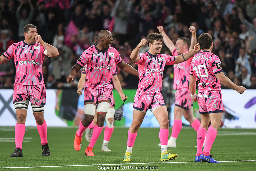 Team of Stade Francais celebrates the victory during the Top 14 match between Racing 92 and Stade francais at Paris La Defense Arena on May 5, 2019 in Nanterre, France. (Photo by Anthony Dibon/Icon Sport)