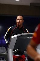 COTIA, SP, 24 DE JUNHO DE 2013. TREINO SPFC. O jogador Luis Fabiano durante treino no Centro de Treinamento do SPFC em Cotia. O time voltou aos treinos nesta segunda feira. FOTO ADRIANA SPACA/BRAZIL PHOTO PRESS
