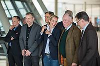 Der Fraktionsvorstand der rechtsnationalistischen &quot;Alternative fuer Deutschland&quot; nimmt vor der Fraktionssitzung am Dienstag den 17. April 2018 Aufstellung zu einem Fotoshooting.<br /> Im Bild vlnr.: Peter Felser und Leif-Erik Holm, beide stellvertretende Fraktionsvorsitzende; Bernd Baumann, Parlamentarischer Geschaeftsfuehrer; Alice Weidel, Fraktionsvorsitzende; Alexander Gauland, Partei- und Fraktionsvorsitzender; Juergen Braun, Parlamentarischer Geschaeftsfuehrer.<br /> 17.4.2018, Berlin<br /> Copyright: Christian-Ditsch.de<br /> [Inhaltsveraendernde Manipulation des Fotos nur nach ausdruecklicher Genehmigung des Fotografen. Vereinbarungen ueber Abtretung von Persoenlichkeitsrechten/Model Release der abgebildeten Person/Personen liegen nicht vor. NO MODEL RELEASE! Nur fuer Redaktionelle Zwecke. Don't publish without copyright Christian-Ditsch.de, Veroeffentlichung nur mit Fotografennennung, sowie gegen Honorar, MwSt. und Beleg. Konto: I N G - D i B a, IBAN DE58500105175400192269, BIC INGDDEFFXXX, Kontakt: post@christian-ditsch.de<br /> Bei der Bearbeitung der Dateiinformationen darf die Urheberkennzeichnung in den EXIF- und  IPTC-Daten nicht entfernt werden, diese sind in digitalen Medien nach &sect;95c UrhG rechtlich geschuetzt. Der Urhebervermerk wird gemaess &sect;13 UrhG verlangt.]