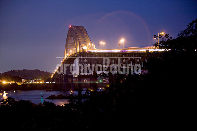 ©PATRICIO CROOKER.Panama..Bridge on the entrance to the Panama Canal from the Pacific.