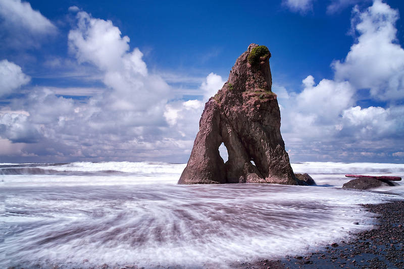 Ruby Beach and wave. Olympic National Park, Washington