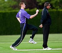 25 JUN 2009 - LOUGHBOROUGH,GBR - Henry Jones -  Loughborough UCCE (purple and black) v Cambridge UCCE (blue) - UCCE Twenty 20 (PHOTO (C) NIGEL FARROW)