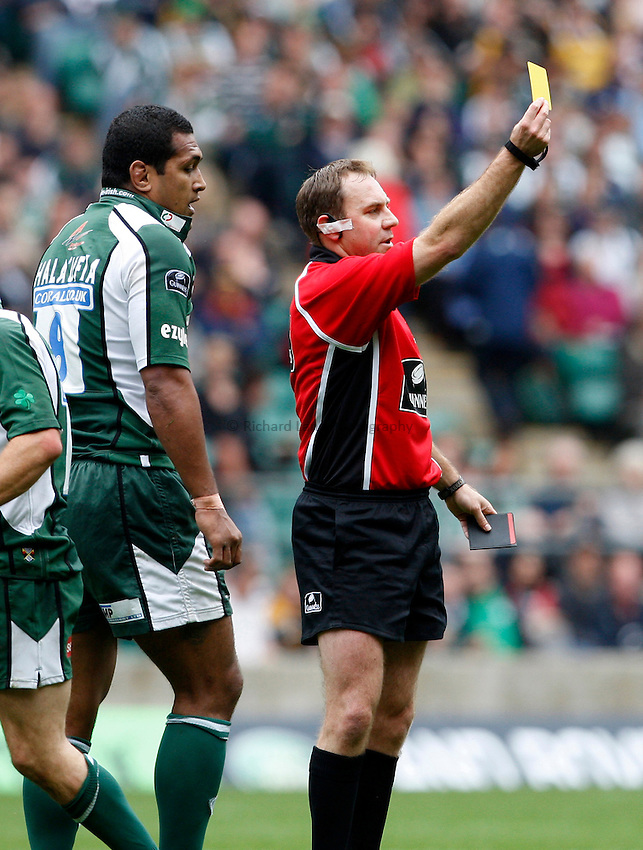 Photo: Richard Lane/Richard Lane Photography. London Irish v London Wasps. Guinness Premiership, London Double Header. 06/09/2008. Referee, Andrew Small sends Irish's Chris Hala'ufia to the sin bin.