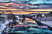 Red Sky at night.. promises a nice day tomorrow in preparation for Christmas - as seen looking west from the River Earn, in Perthshire - Picture by Donald MacLeod 23.12.09