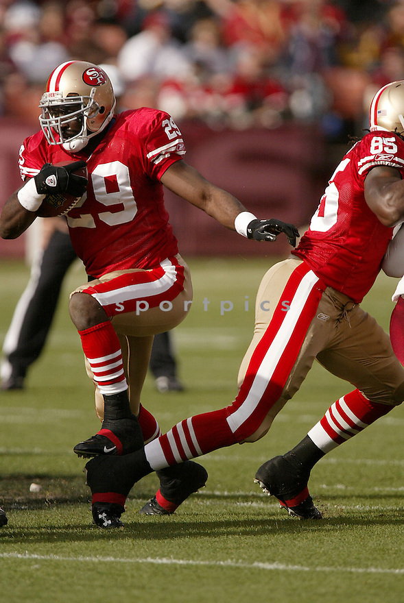 DESHAUN FOSTER, of the San Francisco 49ers  , in action  during the 49ers game against the Washington Redskin on December 28, 2008 in San Francisco, CA...49ers win 27-24