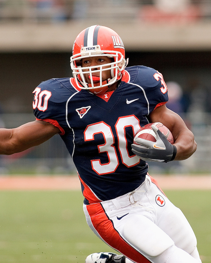 Illinois RB Pierre Thomas in action in the game between Illinois and Purdue November 11, 2006 at Memorial Stadium in Champaign, Illinois.  The Boilermakers defeated the Illini 42 to 31.