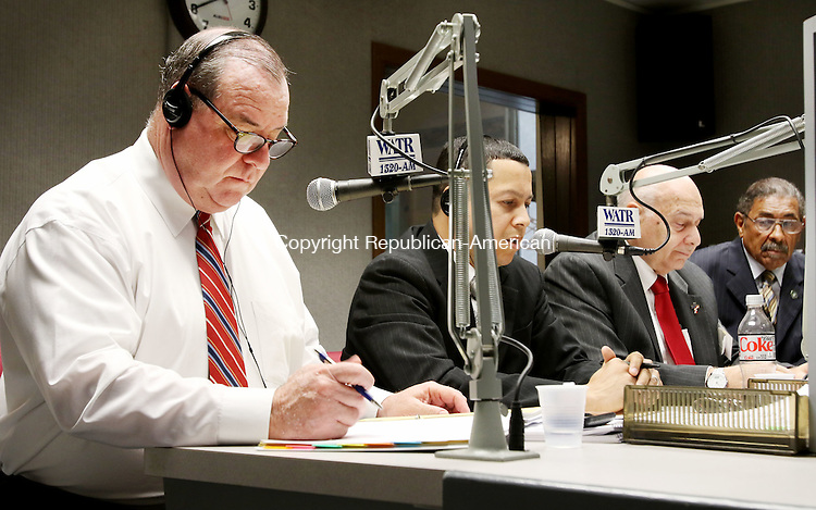 WATERBURY CT. 26 October 2015-102715SV03-From left, Democrat Mayor Neil O&rsquo;Leary, Republican mayoral candidate Jose Morales, Independent Lawrence V. De Pillo, and petitioning candidate Jimmie Griffin debate questions on WATR radio in Waterbury Tuesday. <br /> Steven Valenti Republican-American
