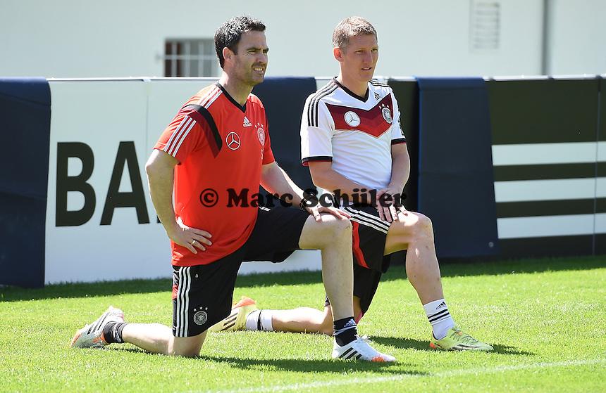 Shad Forsythe und Bastian Schweinsteiger - Training der Deutschen Nationalmannschaft zur WM-Vorbereitung in St. Martin