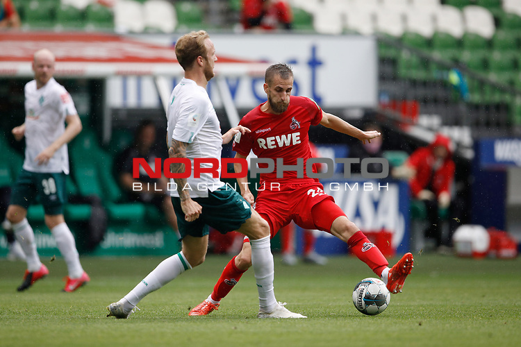 27.06.2020, wohninvest , nphgm001, WESERSTADION, Bremen, Ligaspiel, 1. Bundesliga, SV Werder Bremen vs 1. FC Koeln, im Bild v.l. Kevin Vogt (3, Bremen), Dominick Drexler (24, Koeln)<br /> Foto: Joachim Sielski/Sielski-Press/Pool/gumzmedia/nordphoto<br />