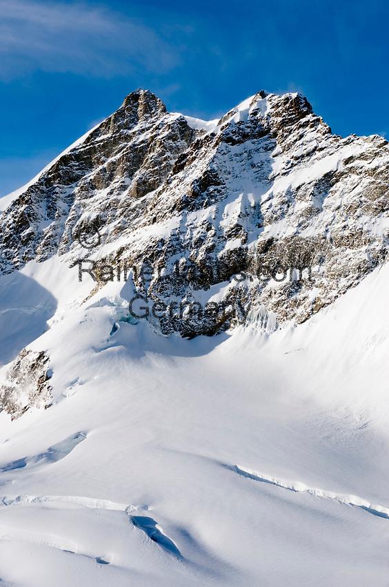 CHE, Schweiz, Kanton Bern, Berner Oberland, Blick vom Jungfraujoch ueber den Grossen Aletschgletscher auf die Jungfrau 4.158 m | CHE, Switzerland, Bern Canton, Bernese Oberland, Grindelwald: view from Jungfraujoch across Great Aletsch Glacier at Jungfrau mountain 13.642 ft.