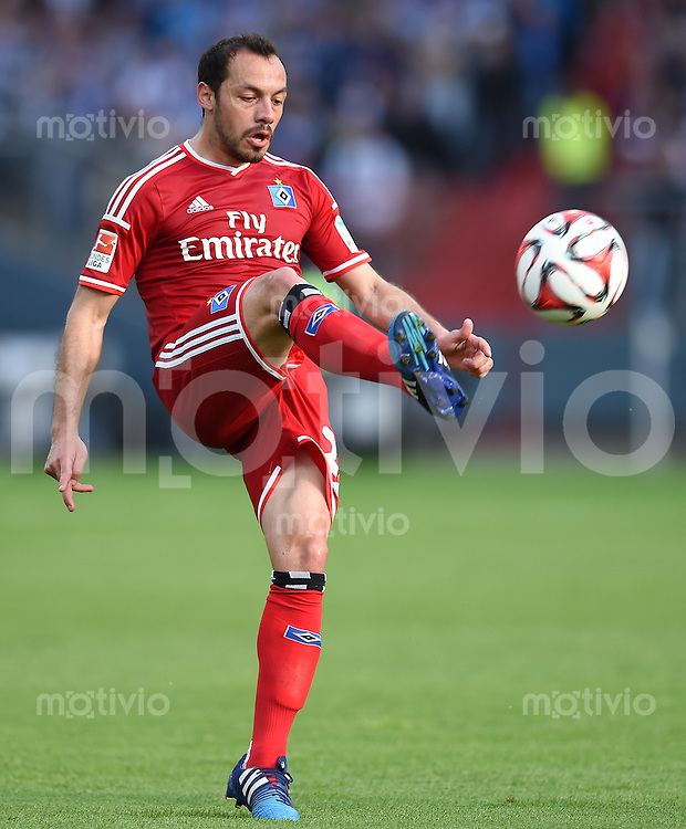 FUSSBALL   1. BUNDESLIGA   SAISON 2014/2015  RELEGATION  RUECKSPIEL  Karlsruher SC - Hamburger SV                              01.06.2015 Marcelo Diaz (Hamburger SV) am Ball