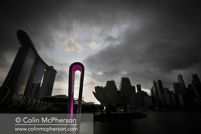 The Queen's Baton Relay spent the day in Singapore, on its last day in Asia. This Queen's Baton Relay will engage with all 70 nations and territories of the Commonwealth, over 388 days and cover 230,000km. It will be the longest Relay in Commonwealth Games history, finishing at the Opening Ceremony on the Gold Coast on 4th April 2018. Photograph shows the Baton at the Marina Bay area of Singapore.