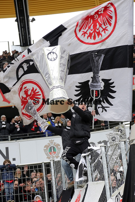 Eintracht Fans fordern den Einzug ins Internationale Geschäft