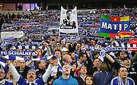 FUSSBALL   EUROPA LEAGUE   SAISON 2011/2012  ACHTELFINALE FC Schalke 04 - Twente Enschede                         15.03.2012 Schalke Fans mit RAUL, HUNTELAAR und MATIP Bannern