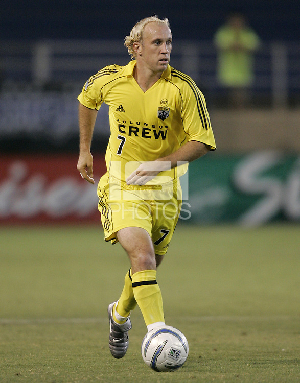 6 August 2005: Simon Elliott of the Crew in action against the Earthquakes at Spartan Stadium in San Jose, California.   Earthquakes defeated Crew, 2-1.   Credit: Michael Pimentel / ISI