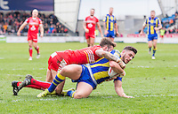 Picture by Allan McKenzie/SWpix.com - 04/03/2017 - Rugby League - Betfred Super League - Salford Red Devils v Warrington Wolves - AJ Bell Stadium, Salford, England - Salford's Gareth O'Brien can't prevent Warrington's Declan Patton scoring a try.