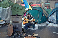 Kiev, Ukraine, 25/12/2004..The third and final round of Ukraine's disputed Presidential election. Supporters of candidate Viktor Yushchenko camped out in the city centre streets.