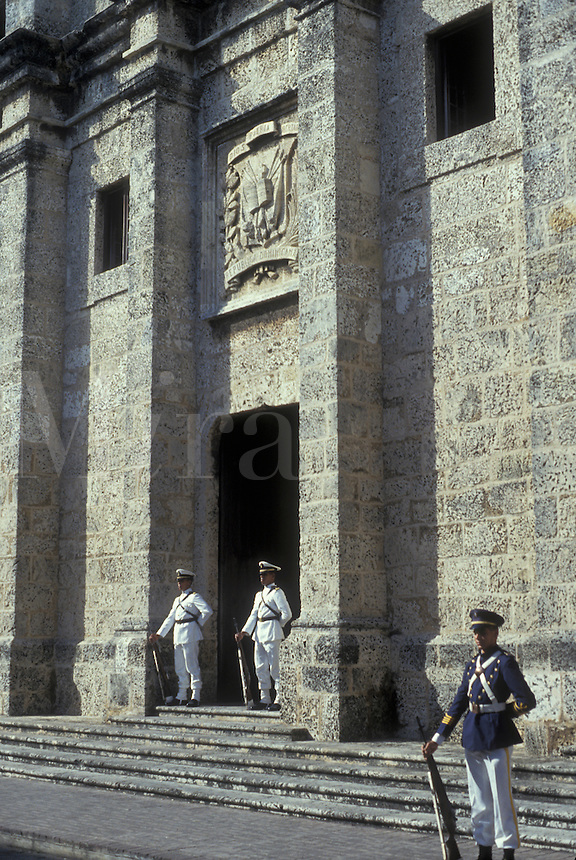 AJ2308, Dominican Republic, Santo Domingo, Caribbean, Caribbean Islands, Guards stand outside The National Pantheon of Santo Domingo the capital city of the Dominican Republic