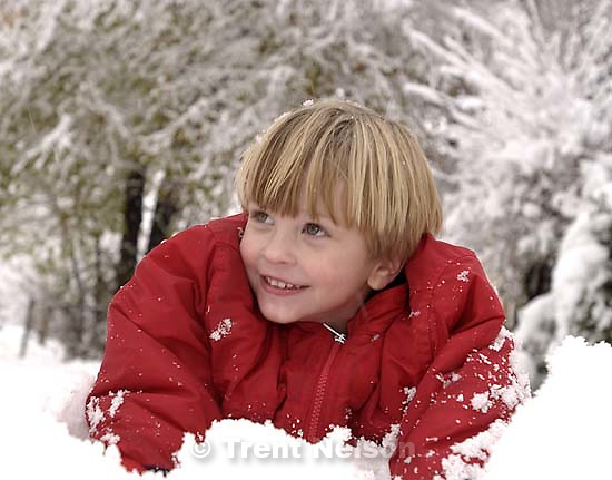 Nathaniel Nelson playing in the snow. 11/25/2001, 4:33:00 PM<br />